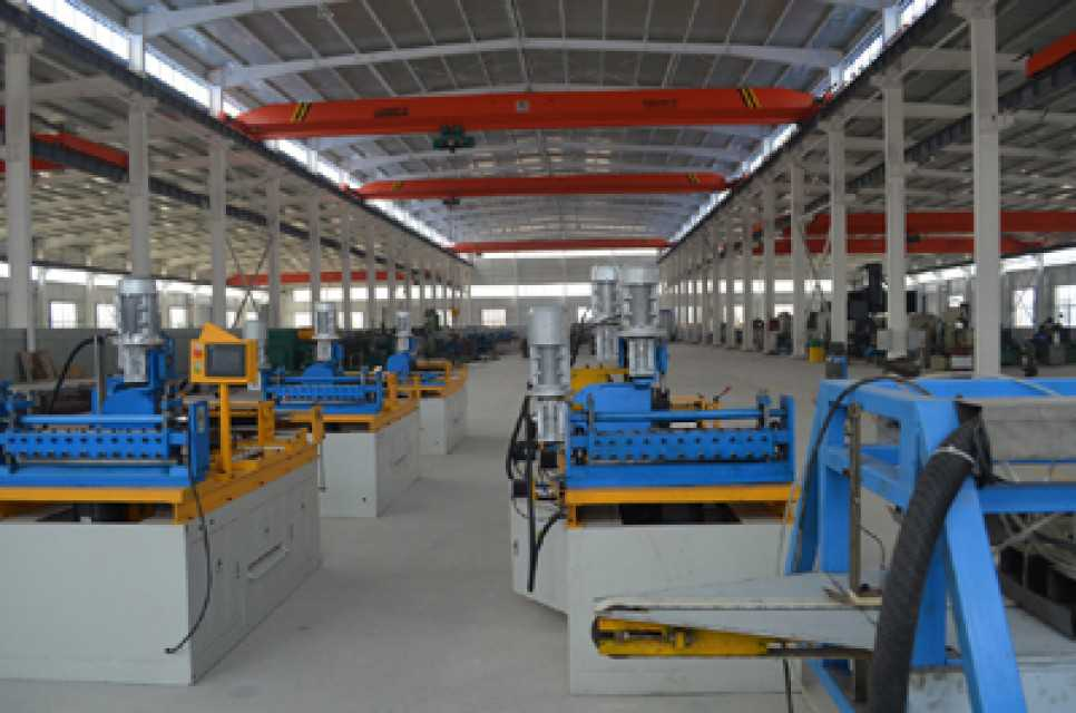 Transformer core lamination cut to length line
