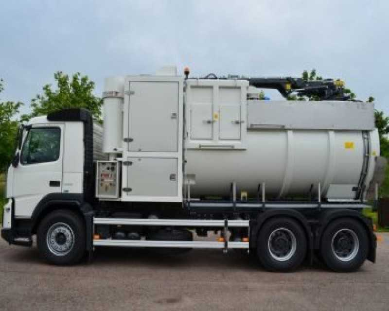 Truck mounted vacuum systems