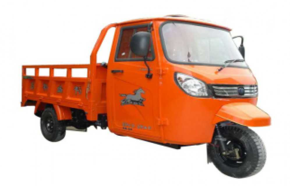 Gasoline cargo tricycle with cabin