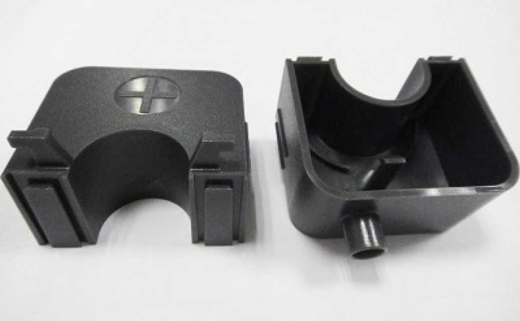Molding Plastic Parts - MO001