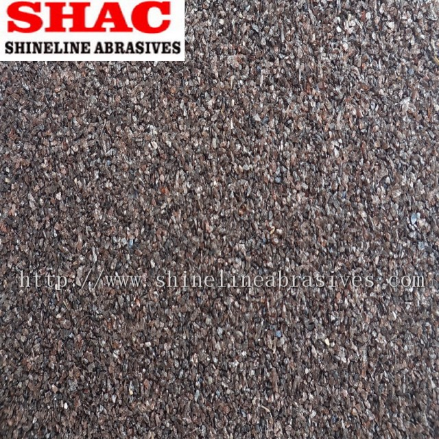 Brown fused aluminium oxide powder and grains